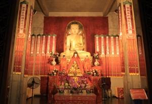 Shrine inside the Jing'an Temple.