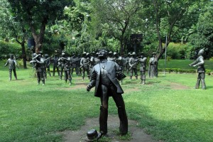 Sculptures depicting the execution of Dr. Rizal at the very location it occurred.