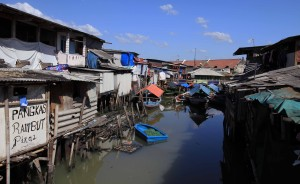 Another view of the slums near the harbor.