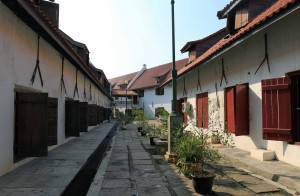 Central courtyard in the Museum Bahari.