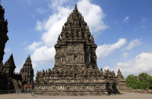 A building to the right of the main building on the Candi Prambanan complex.