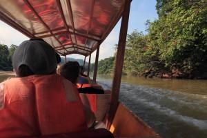 Boat journey from Kuala Tahan to Kuala Tembeling jetty.