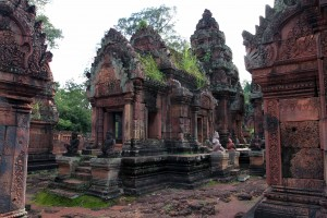 The central structures of Banteay Srei.