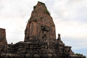 A tower in Pre Rup temple.