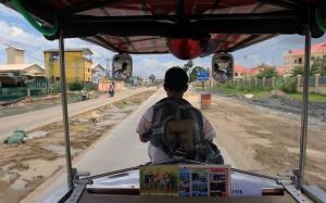 The tuk-tuk ride to the Choeung Ek Genocidal Center.