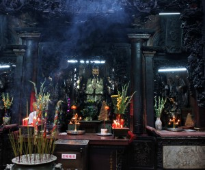 The Jade Emperor at the back of the temple.