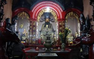 A shrine inside the Jade Emperor Pagoda.