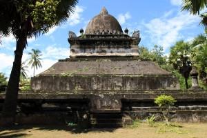 The stone stupa in Wat Visoun.