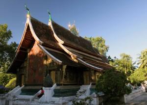 The main temple hall at Wat Xieng Toung.