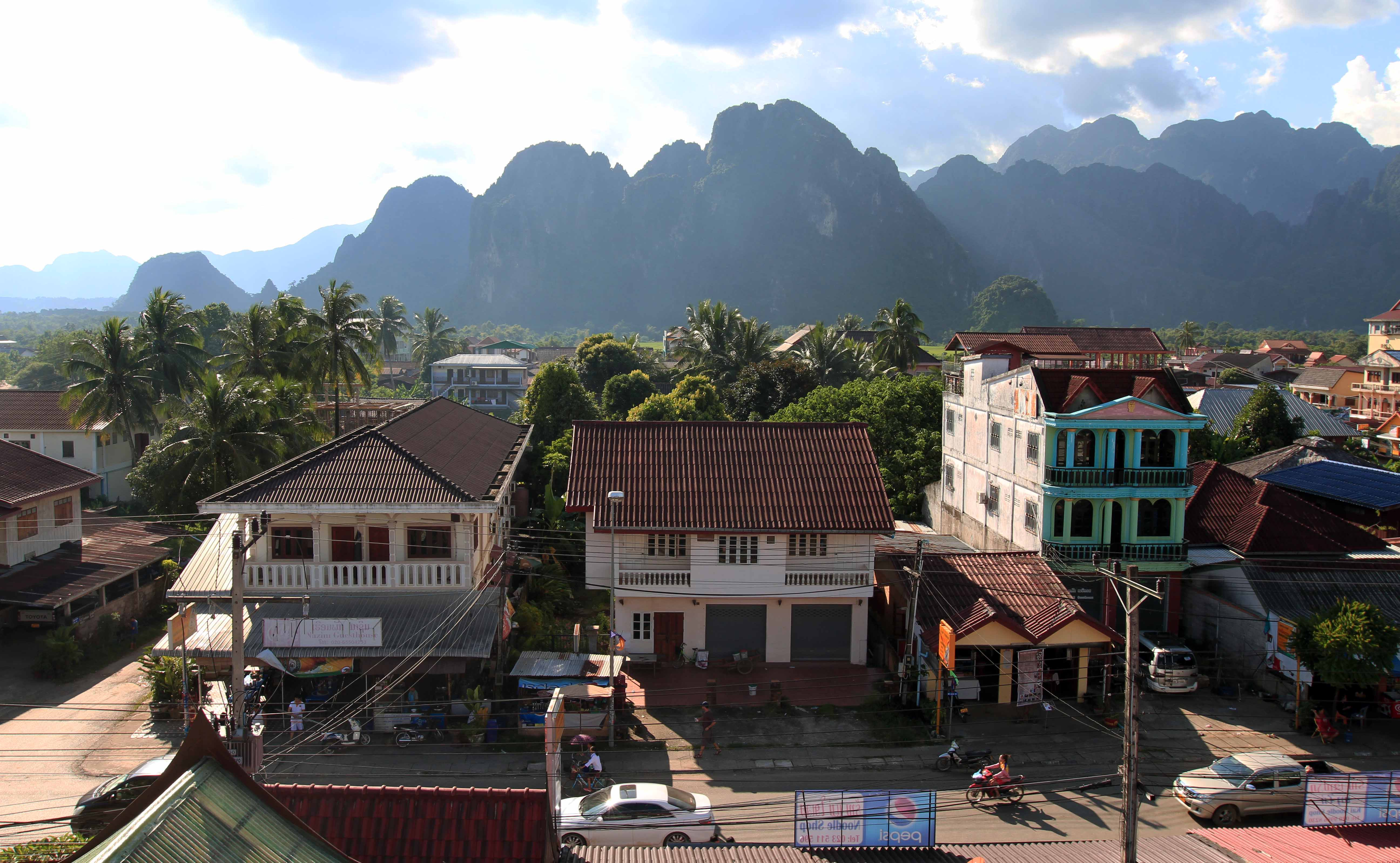 October 02 2014 the wolff chronicles for Domon river guesthouse vang vieng