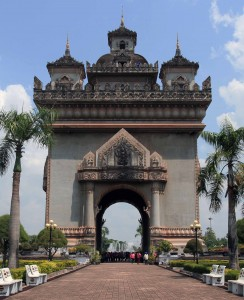 Another view of Patuxai.
