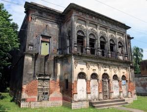 Lone building in Panam Nagar.