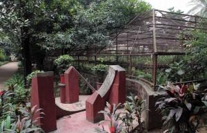 Equatorial bow sundial in Baldha Garden.
