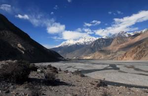 Following the Kali Gandaki Nadi south.