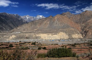Jomsom on the opposite side of the river.