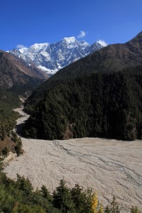 The wide stream bed of the Bhuttro Khola.