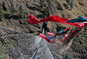 Suspension bridge over the Kali Gandaki Nadi.