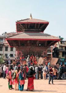 Small concert being filmed at Jagannarayan Temple.
