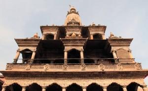 Looking toward the top of Krishna Mandir.