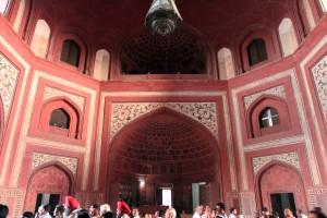 Inside Darwaza-i Rauza.