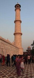 Another view of the southeast tower of the Taj Mahal.