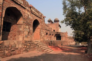 Inside Purana Qila with Talaaqi Darwaza in the distance.