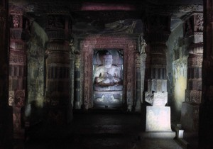 Buddha sculpture in Cave No. 17.