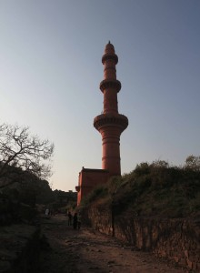 The red mosque with tall minaret, inside Daulatabad Fort.
