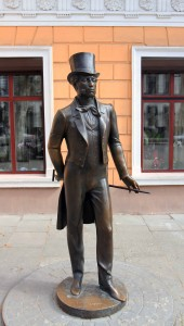 Statue of a foppish man in Odessa.