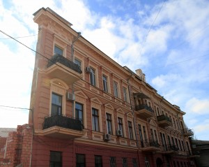 """The """"famous house-wall"""" in Odessa - it is an optical illusion and built at an angle to make it look like nothing more than a wall . . . quite lame."""