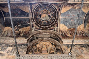 The ceiling in the portico of Stavropoleos Church.