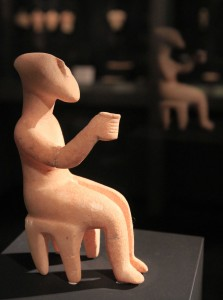 "The ""Cup-Bearer"" - Cycladic figurine of teh canonical type (from the Syros Phase (2800-2300 BC)."