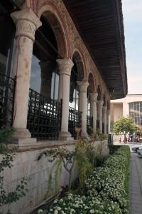 Side view of Et'hem Bey Mosque.