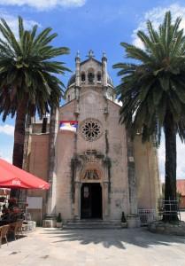 The Church of St. Archangel Michael in Belavista Square.