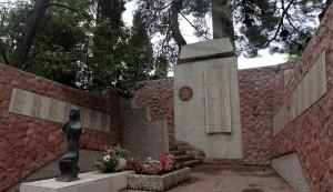 A monument to those killed during World War II (found in Herceg Novi).