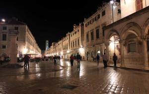 Another view of Placa Stradun at night.