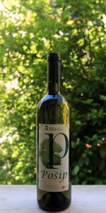 Bottle of Croatian white wine made from Pošip grapes.