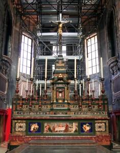 The altar inside the Cappella dei Principi.
