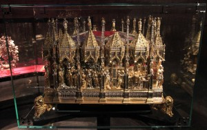 A ceremonial casket which supposedly contains the ashes of St. John the Baptist and is used during processions.