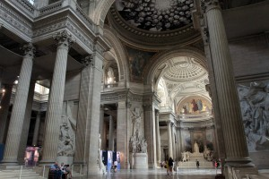 Another view inside the Panthéon.