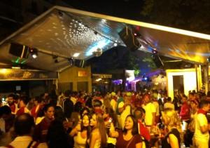 An outdoor discothèque.