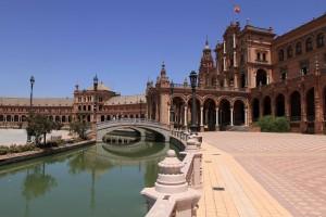 Bridges and the central building Plaza de España.