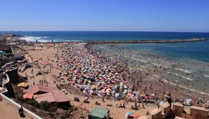 A crowded beach north of the Kasbah.