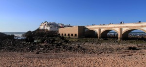 Another view of the bridge and the Sidi Abdel Rahman shrine.