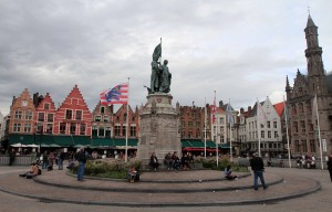 Statue of Jan Breydel and Pieter de Coninck in the center of the Market Square.