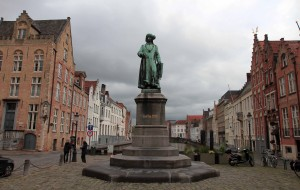Statue of Jan van Eyck in Jan van Eyck Square.
