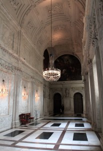 A hall leading to the South Gallery inside the Royal Palace.