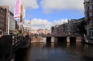 Doelensluis Bridge, over the Rokin canal.