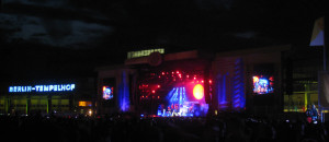 Seeed (a German band) performing on the secondary main stage.