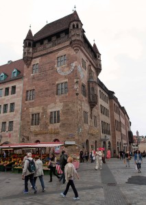 Building on the corner of Karolinenstraße and Königstraße.